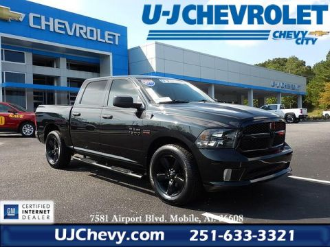 Pre-Owned 2017 Ram 1500 Express RWD 4D Crew Cab